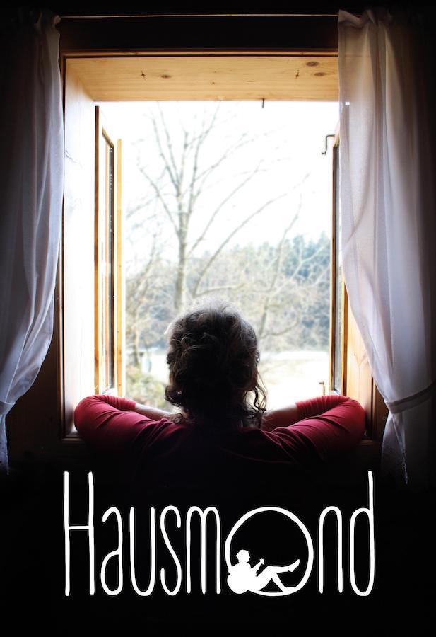 Hausmond / Durch a Fensta gschaud